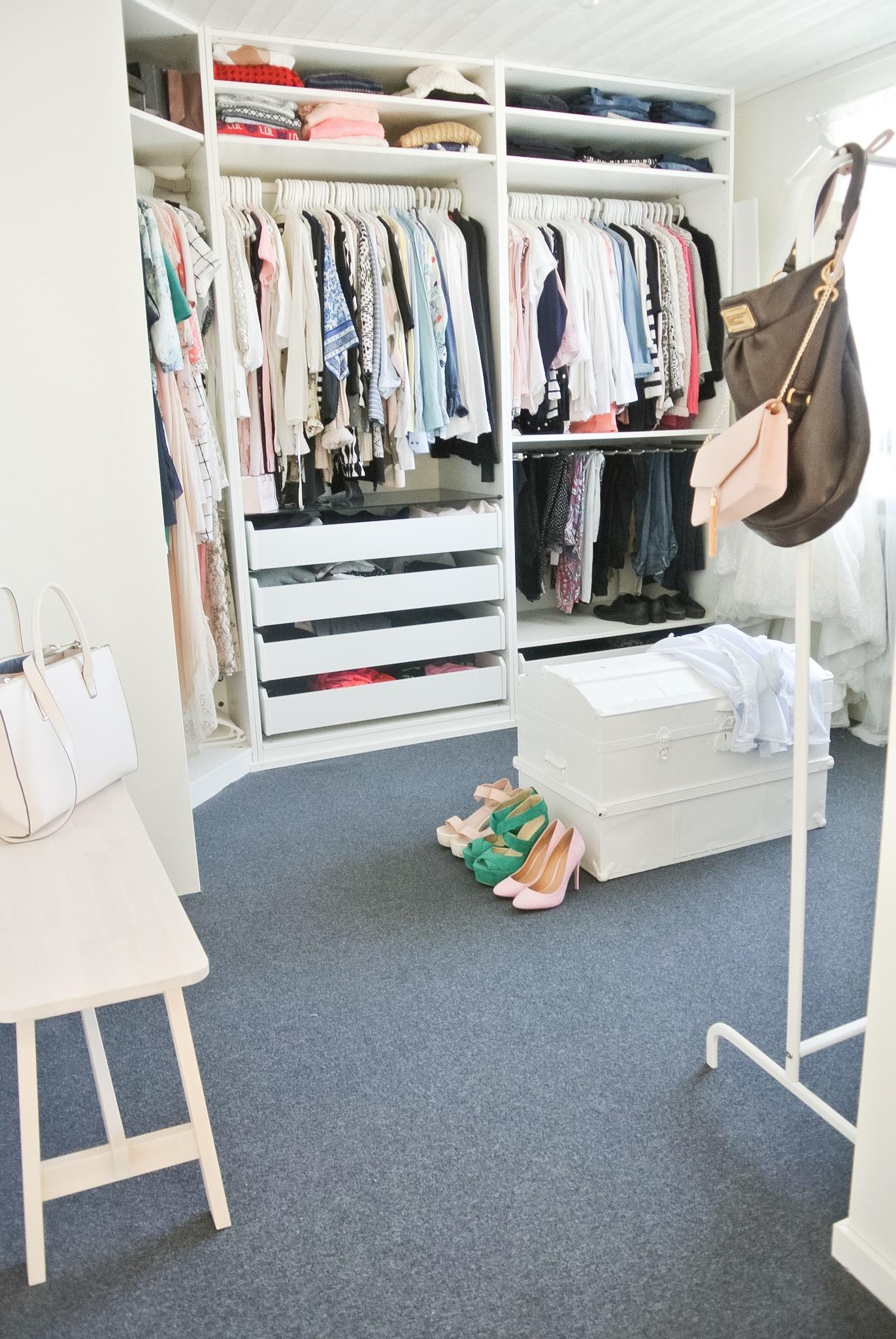 walk_in_closet
