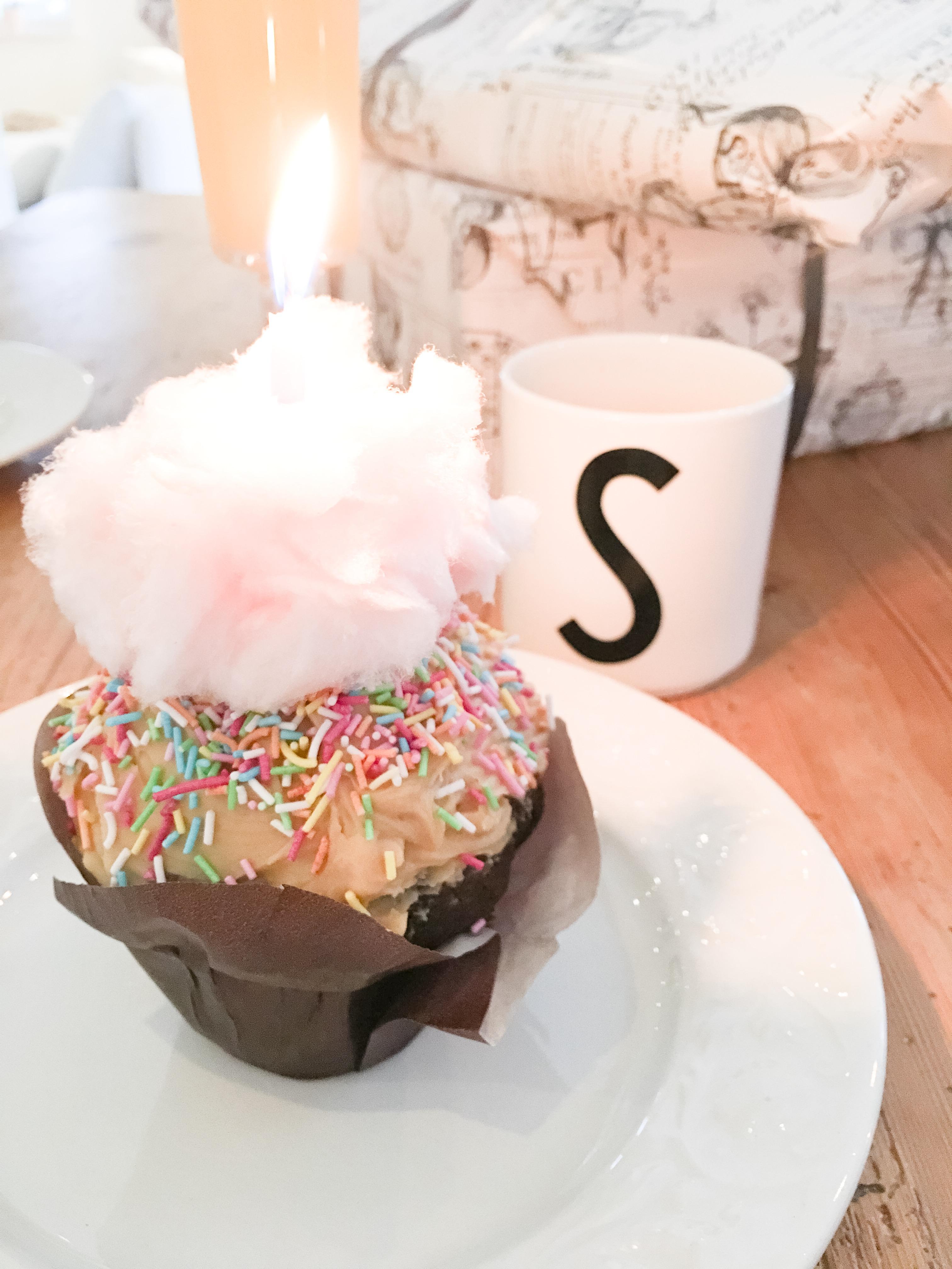 Födelsedagscupcake