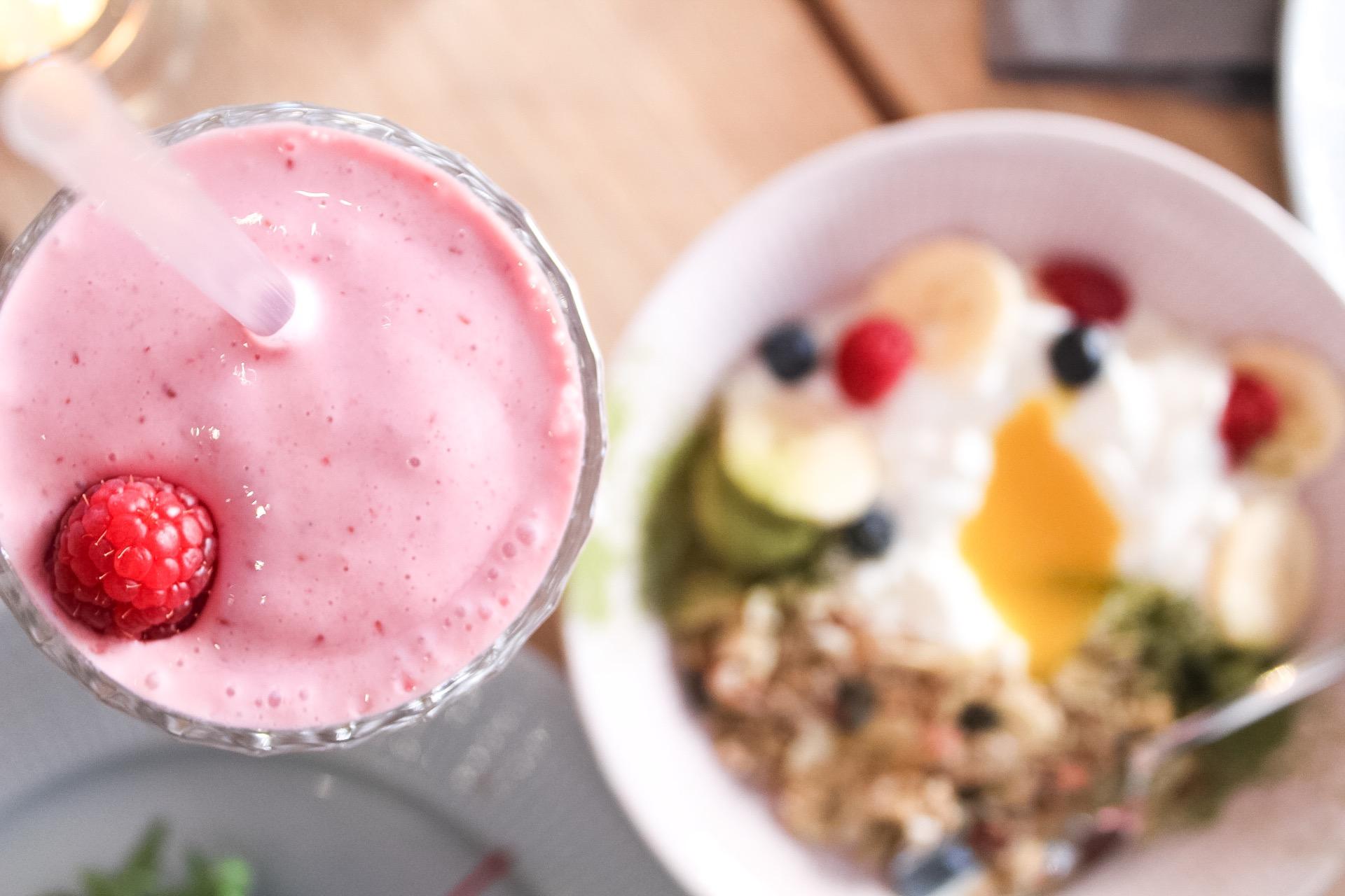 Frukostdrömmar och skumpa med glass