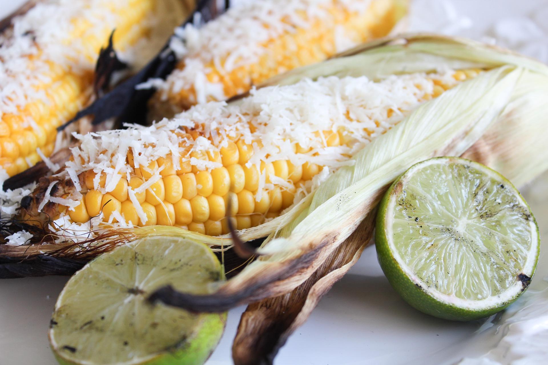 Grillad majs med lime och parmesan