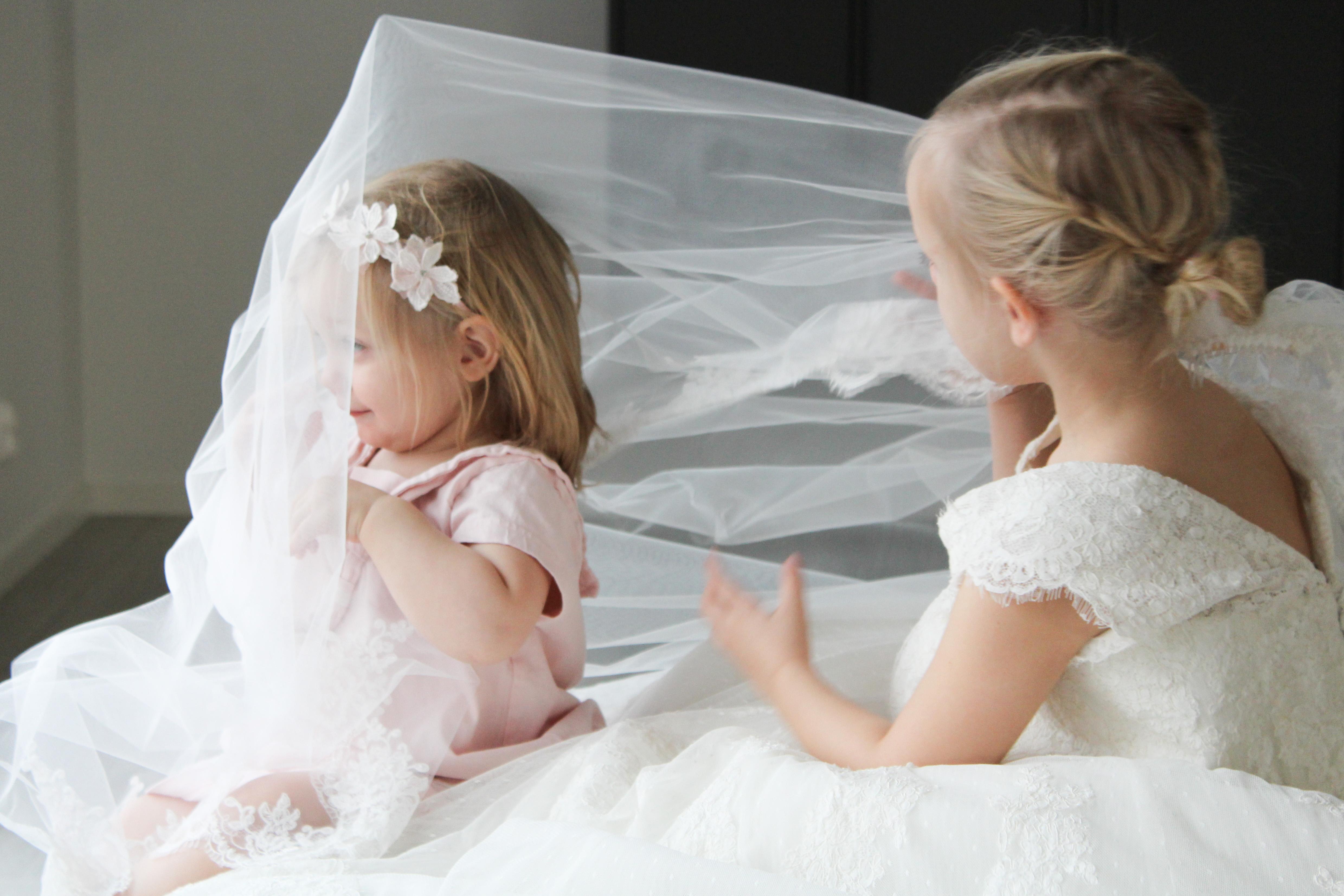"""""""Den vackra vita klänningen"""""""