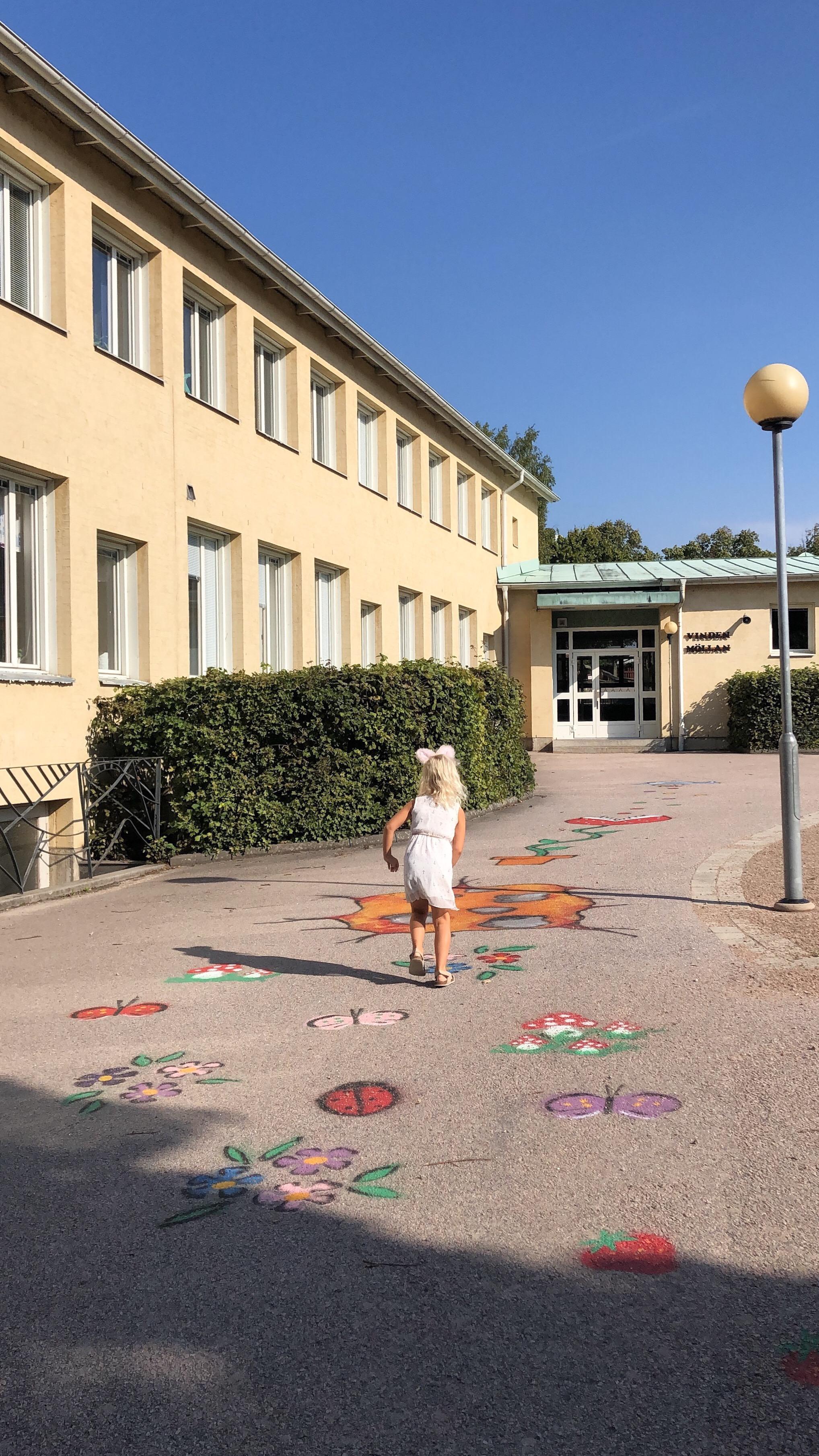 Den framtida skolgården och valdag