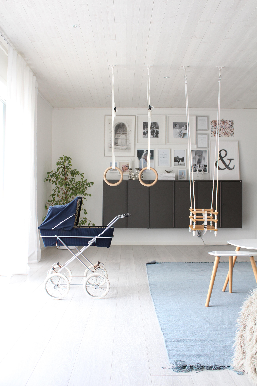 Loppan dockvagn, loppor på vift och vardagsrummet i sin helhet