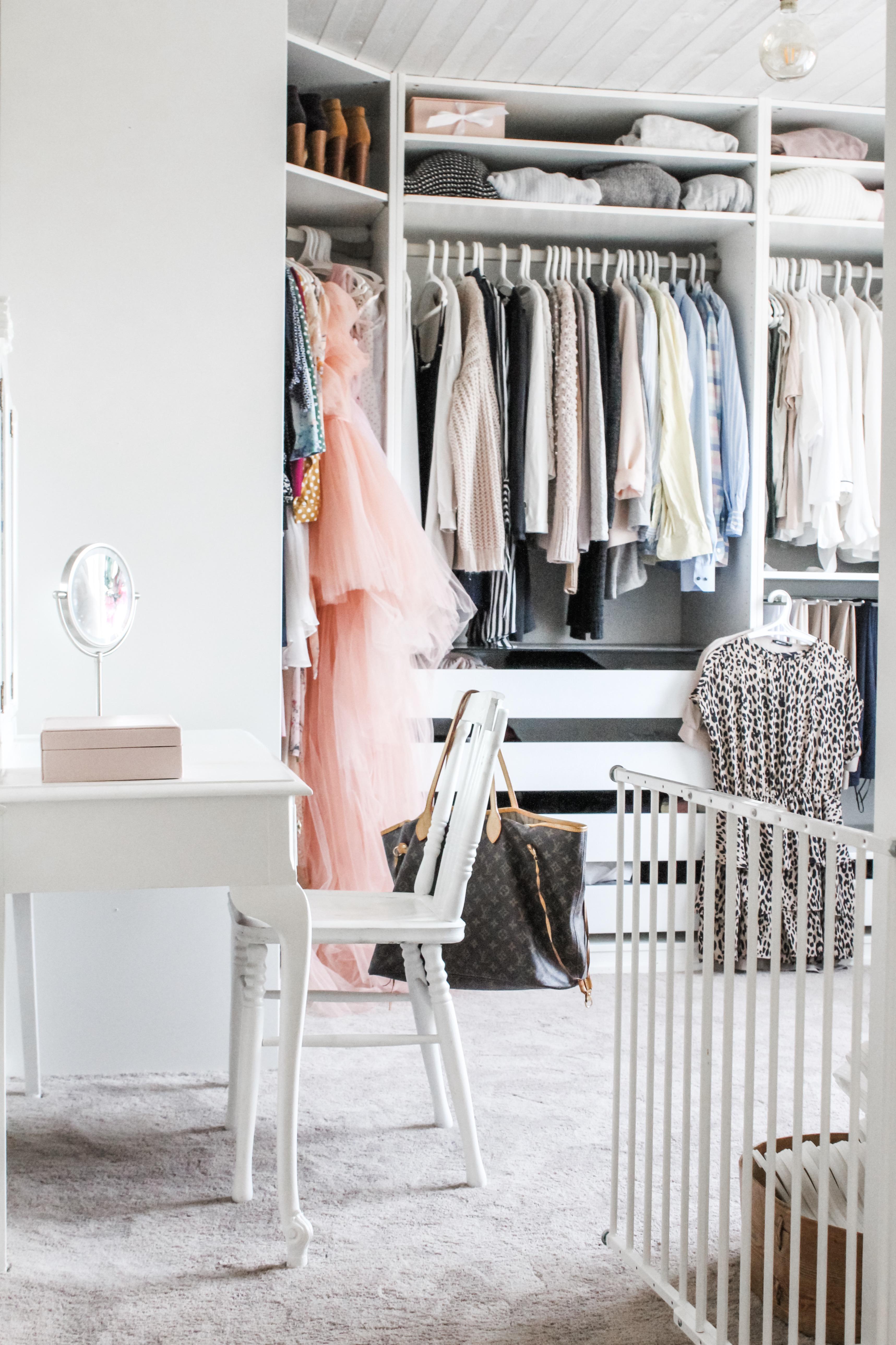 Garderobsrensning och ny matta